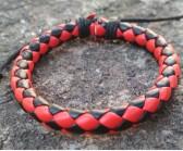 Фенечка Pu красно-чёрная